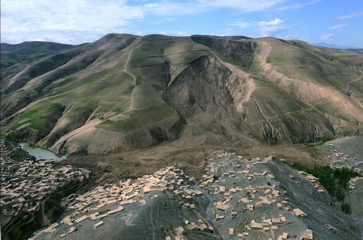 Deslizamiento de Ab Barak (Afganistán). Mayo 2014. Wakil Kohsar/AFP/ Getty Images (The Atlantic)