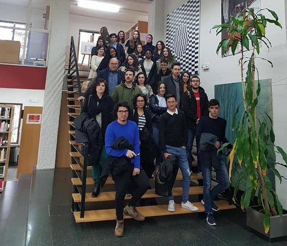El Grado en Información y Documentación de la Universidad de Salamanca tiene un componente eminentemente práctico; por este motivo, en los contenidos de diferentes asignaturas a lo largo de la carrera. Se relaciona el programa de visitas previsto para el curso académico 2019/2020.