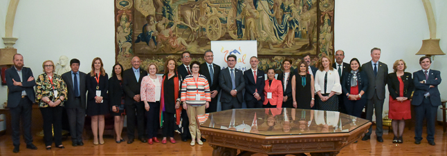 La Universidad de Salamanca ha firmado diferentes convenios con universidades latinoamericanas durante la celebración de Universia 2018. Algunos de los nuevos convenios servirán como base para los proyectos formativos que el Departamento de Biblioteconomía y Documentación de la Universidad de Salamanca desarrolla con diferentes universidades mexicanas.