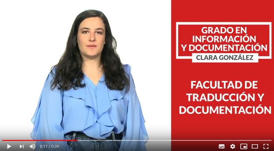 Clara González, estudiante de último año del Grado en Información y Documentación, presenta los estudios de Información y Documentación. ¿Qué se estudia en el Grado en Información y Documentación? El grado forma especialistas en gestión de la información. La titulación se orienta hacia la formación de profesionales de bibliotecas, archivos y documentación.