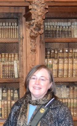 Visiting_the_Library_May_2013