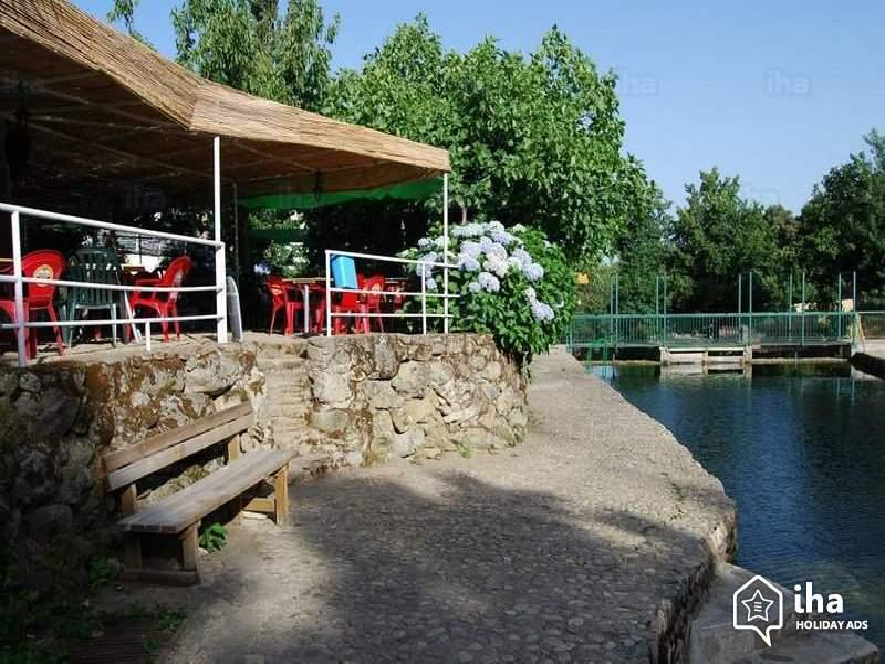 Segura de toro valle del ambroz for Piscinas toro