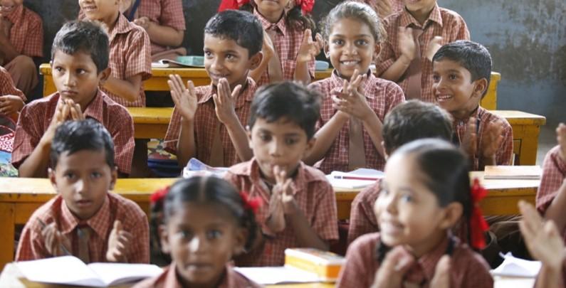 Charla: Educar hacia la interculturalidad en la sociedad del conocimiento