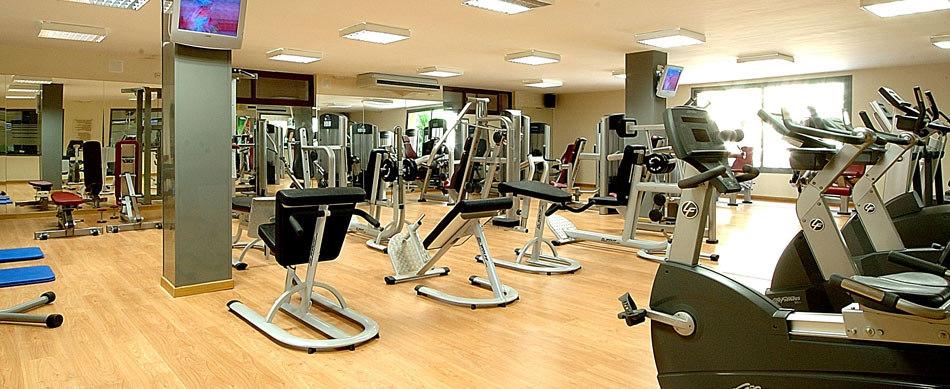 Hacer deporte en un gimnasio o en la calle mueve t for Que es un gimnasio