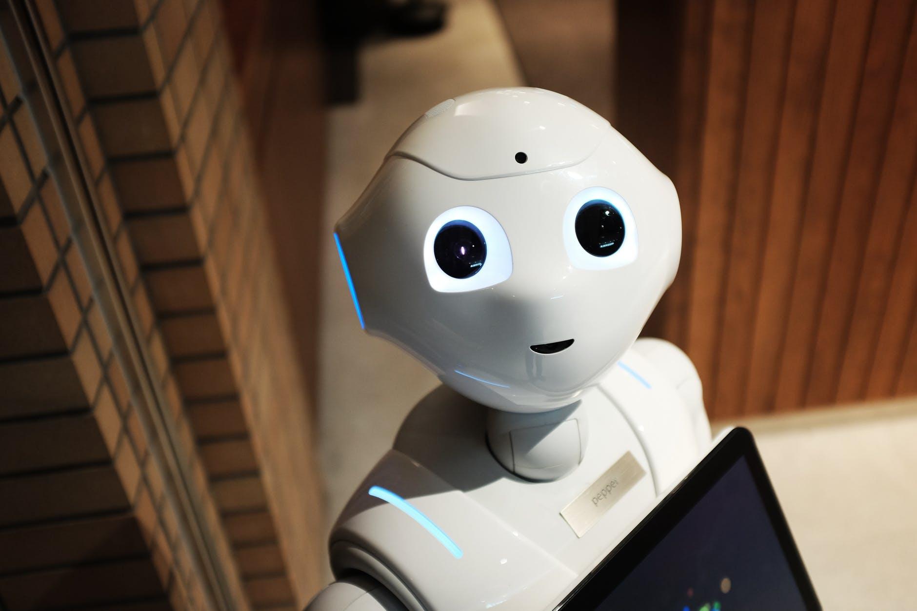 ¿Camisas con memoria? Ingenieros del MIT crean una fibra digital programable, con sensores e inteligencia artificial