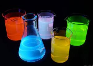 19220_800px-fluorescence_rainbow.es